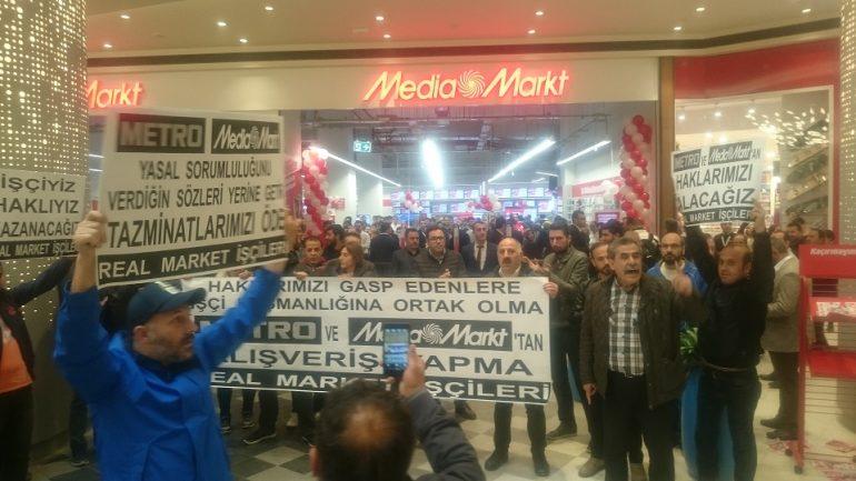 Nakliyat-İş'ten: Real Market İşçileri Media Markt'ın yeni mağazası önünde eylem yaptı