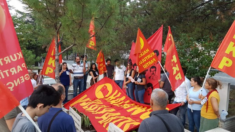 Üç Şehitlerin devrettiği bayrak HKP'nin verdiği Devrimci Mücadelede dalgalanıyor