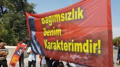 """Mustafa Kemal'in Savaşçılığını simgeleyen Kalpaklı fotoğrafı ve Mustafa Kemal'i simgeleyen """"Bağımsızlık Benim Karakterimdir"""" sözü yine Anıtkabir'e alınmadı"""