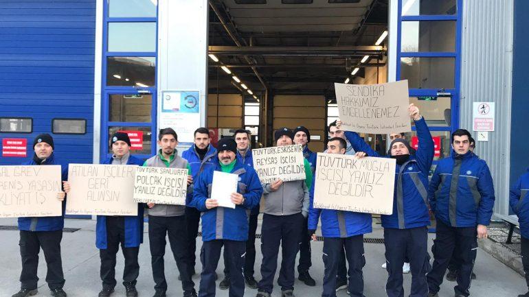 Nakliyat-İş'ten: Sendikamızın Örgütlü Bulunduğu ve 1000'e Yakın İşçinin Çalıştığı Tüvtürk Araç Muayene İstasyonlarında Çalışan Üyelerimizden Tüvtürk Muğla, Eskişehir Reysaş ve Şanlıurfa Polçak Direnişleri ile Dayanışma Eylemi