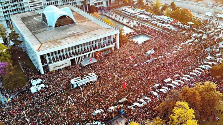 AKP hanedanlığının metal yorgunluğu ve bir diktatörün çöküş hikâyesi
